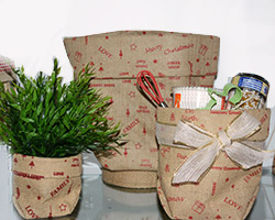 JUTE SACKS w/Christmas Print